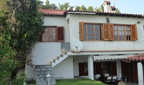 Vintage Semi-detached House For Sale in Halkidiki